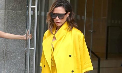 Vic mặc cả 'cây vàng' rực rỡ
