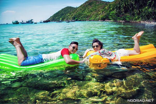 [CaptNằm ở phía đông nam Phú Quốc, quần đảo Nam Du đang được xem là vùng biển thiên đường với vẻ hoang sơ, biển trời xanh ngắt và dải cát trắng quyến rũ.