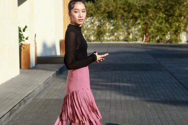 my-nhan-viet-thoi-bung-con-sot-tua-rua-10