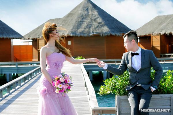 [Caption]Ngoài ra, cặp đôi phải trả phí cho một số địa điểm chụp ảnh trong resort như chi phí thuê thuyền 600 USD, thuê đàn piano 400 USD.