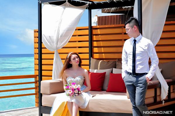 [Caption]Cặp đôi đã chọn resort Baros bởi thiết kế độc đáo với đường đi giữa biển đặc trưng của Maldives. Trước ngày khởi hành, Đăng Thịnh email cho quản lý của khu resort để thông báo về lịch trình di chuyển của ê kíp và một số địa điểm chụp ảnh trong resort.
