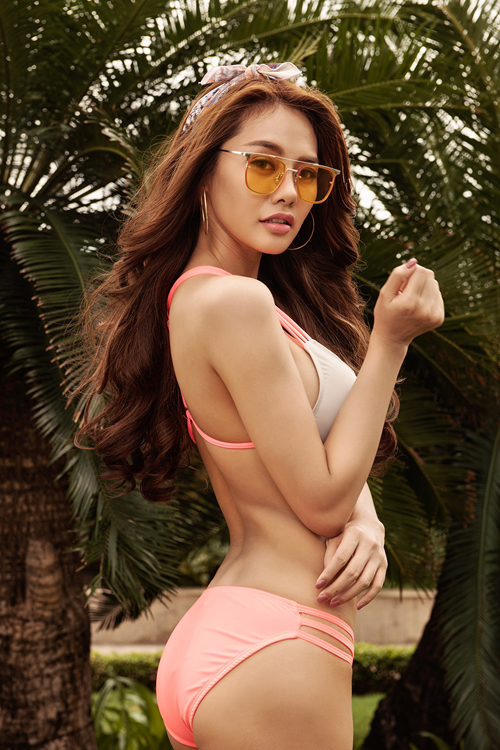 linh-chi-khoe-dang-nong-bong-voi-bikini-6