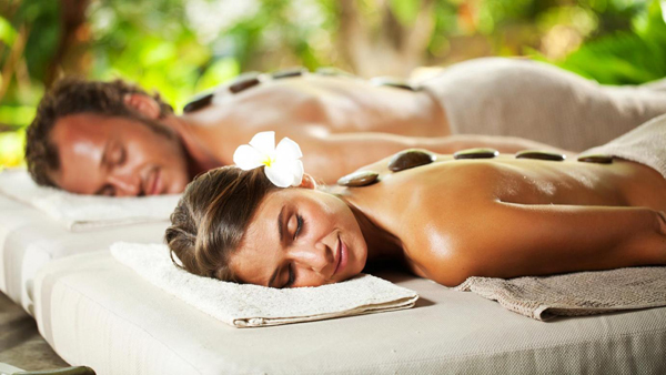 honeymoon-couple-massage-2300-1467782147