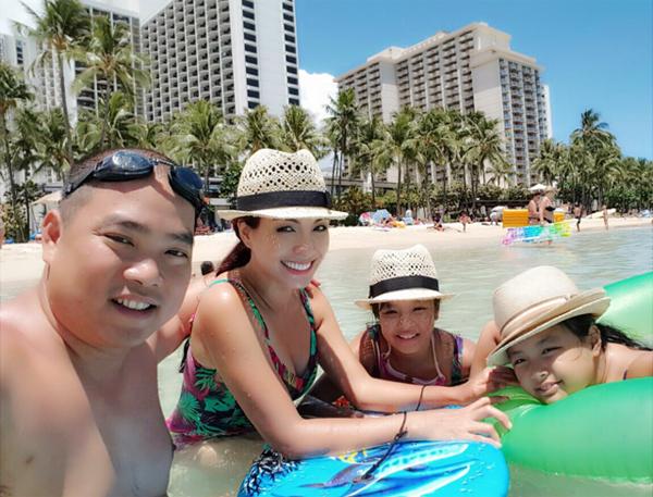 Mùa hè đầy ắp chuyến đi của gia đình sao Việt có con nhỏ