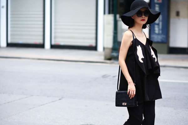 street-style-ca-tinh-cua-bien-tap-vien-quynh-chi-10