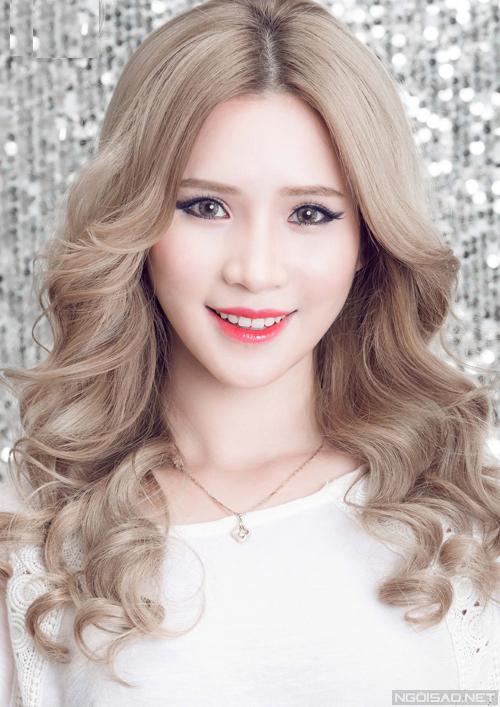Bộ ảnh được thực hiện với sự hỗ trợ của Makeup: Trang Sun, Photo & Video: Thuy Do, Model: Vu Yen.