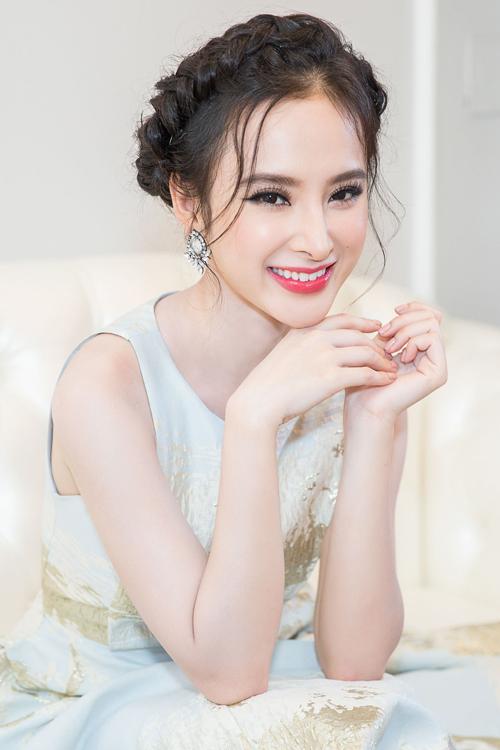 angela-phuong-trinh-4-3747-1469327283.jp