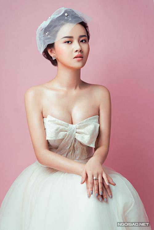 phong-cach-make-up-khong-bao-gio-loi-mot-cho-co-dau-1