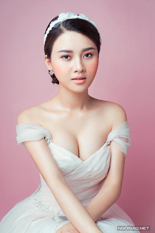 phong-cach-make-up-khong-bao-gio-loi-mot-cho-co-dau-2