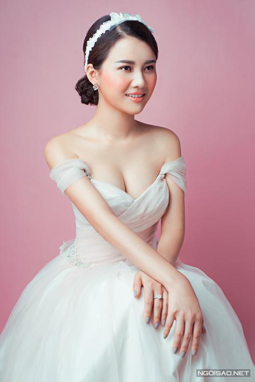 phong-cach-make-up-khong-bao-gio-loi-mot-cho-co-dau-3