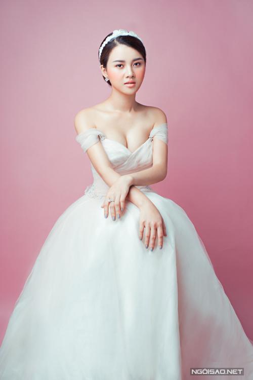 phong-cach-make-up-khong-bao-gio-loi-mot-cho-co-dau-4