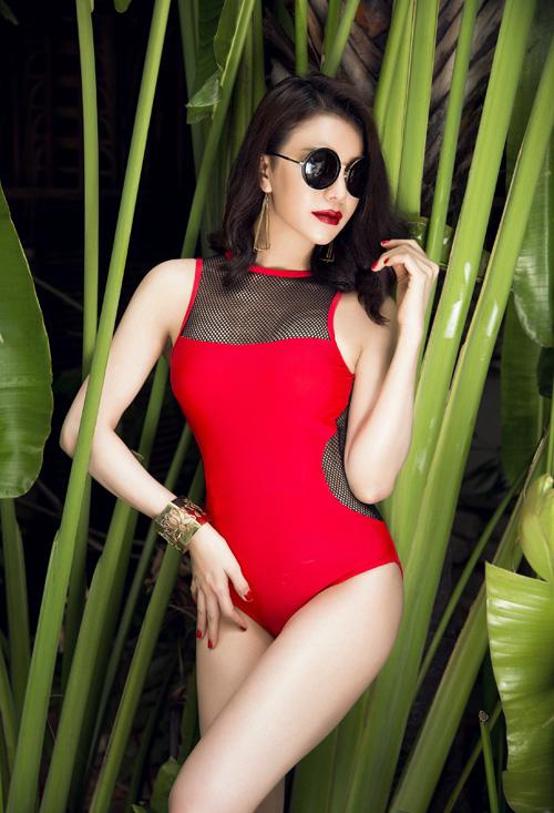 tra-ngoc-hang-khoe-dang-chun-voi-bikini-luoi-7