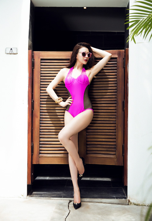 tra-ngoc-hang-khoe-dang-chun-voi-bikini-luoi-2