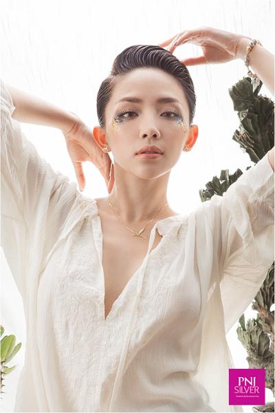 Nét đặc trưng khi nhắc đến Boho-Chic là không có bất kỳ quy tắc hay hướng dẫn nào. Điều duy nhất cần chú ý chính là tự do sáng tạo theo sở thích của người mặc.