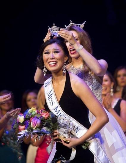 Hôm 27/7, cô gái 23 tuổi người Bắc Kinhtên Arianna Quan đã vượt qua những nhan sắc khác để giành chiến thắng tại cuộc thi Miss Michigan 2016.