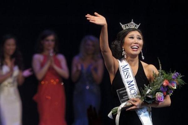 Arianna Quan là cô gái châu Á đầu tiên đăng quang Miss Michigan, vì thế cô cũng nhận được rất nhiều sự quan tâm, tuy nhiên phần lớn trong đó là... đả kích.