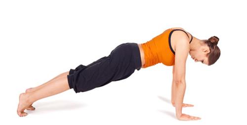 5-dong-tac-yoga-giup-tieu-mo-bung-triet-de-3