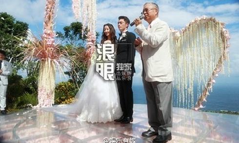 Trực tiếp: Lâm Tâm Như nắm tay Kiến Hoa trên lễ đường