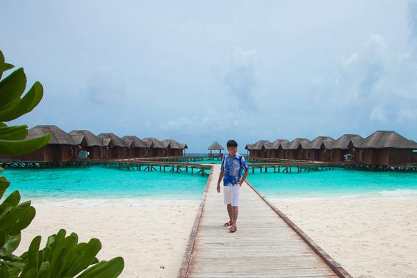 trinh-tu-trung-tan-huong-mua-he-o-thien-duong-maldives