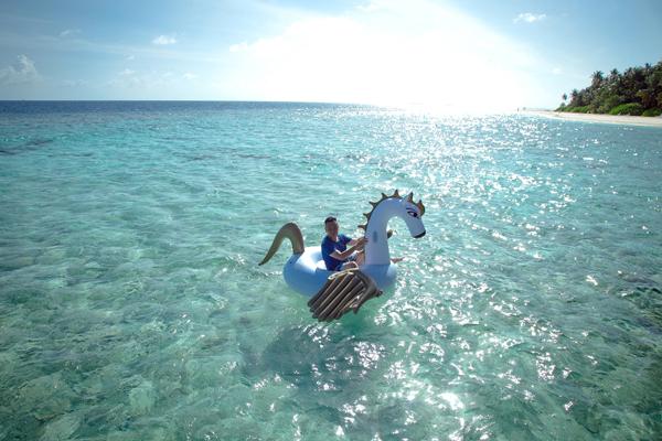 trinh-tu-trung-tan-huong-mua-he-o-thien-duong-maldives-8