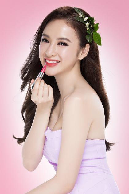 angela-phuong-trinh-huong-dan-phan-biet-my-phm-that-gia-2