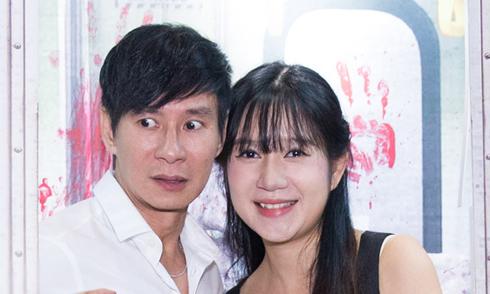 Vợ chồng Lý Hải - Minh Hà 'trốn' 4 con đi xem phim