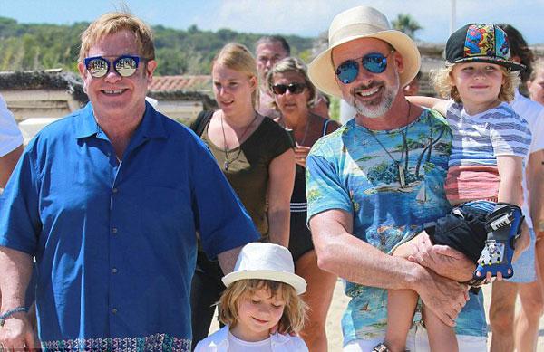 Elton-John2-9273-1471063664.jpg