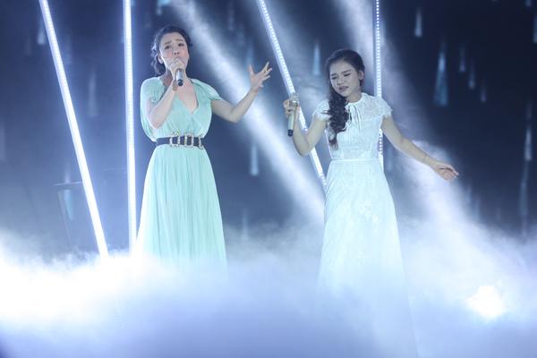 Minh Như cùng ca sĩ Hồ Quỳnh Hương song ca hai ca khúc gắn liền với tên tuổi của nữ giám khảo mang tên Có nhau trọn đời và Anh.