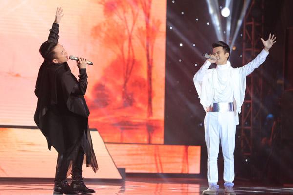 Đặng Tuấn Phương, Hoàng Phong và Tùng Dương kết hợp trong mashup Con cò và Quê nhà.