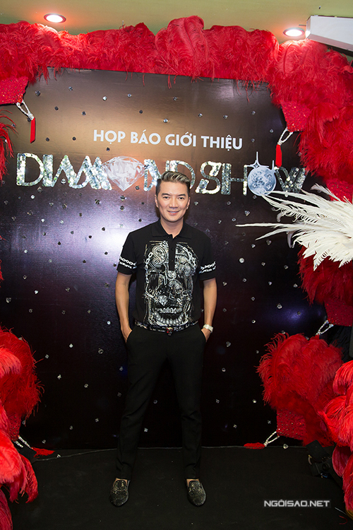 dam-vinh-hung-lam-sieu-show-long-lay-duoc-dau-tu-9-ty-4