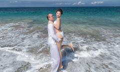 Ảnh cưới sexy ở Bali của cô dâu Việt và giám đốc trẻ người Malaysia