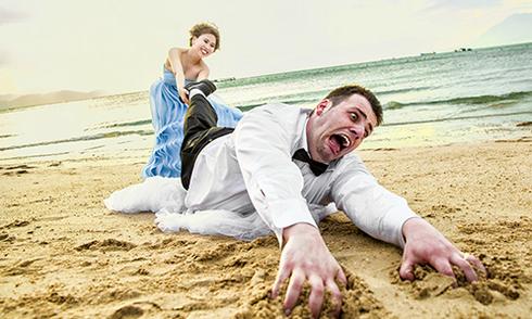 Ảnh cưới 'độc' của cô giáo người Việt và chú rể Australia