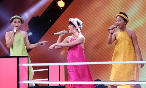 Thu Huệ, Kim Anh và Ngọc Dung hát 'Quê hương Việt Nam'