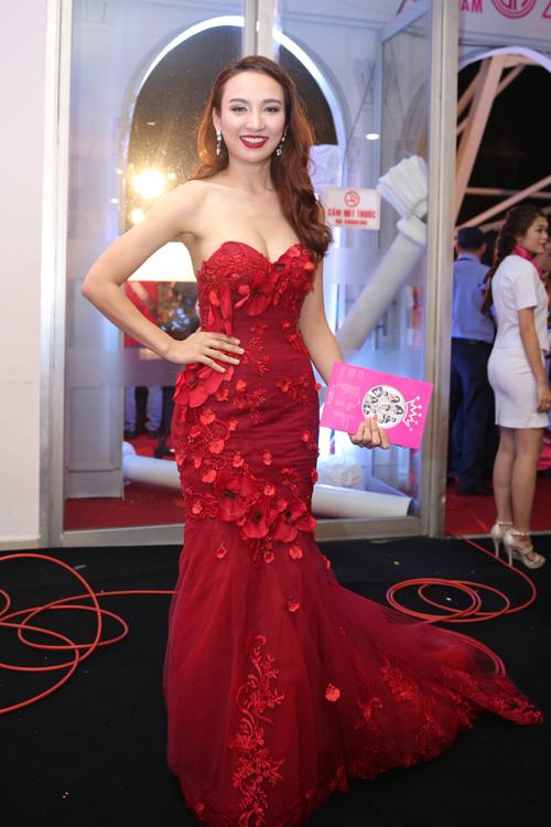 Hoa hậu Du lịch 2008 Ngọc Diễm.