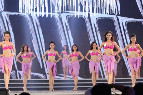 Đỗ Mỹ Linh đăng quang Hoa hậu Việt Nam 2016 - hình ảnh 7