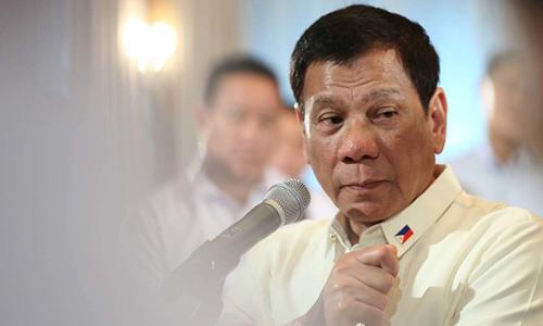 tong-thong-philippines-lang-ma-me-ong-obama-giua-hop-bao