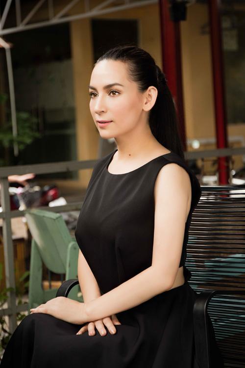 phi-nhung-lan-dau-khoe-street-style-thanh-lich-4