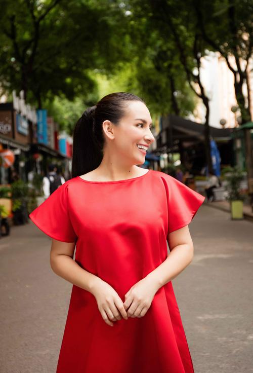 phi-nhung-lan-dau-khoe-street-style-thanh-lich-7
