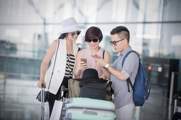 Hoa hậu Ngọc Hân, NTK Hà Duy tư vấn thời trang tại Sohee Cầu Giấy