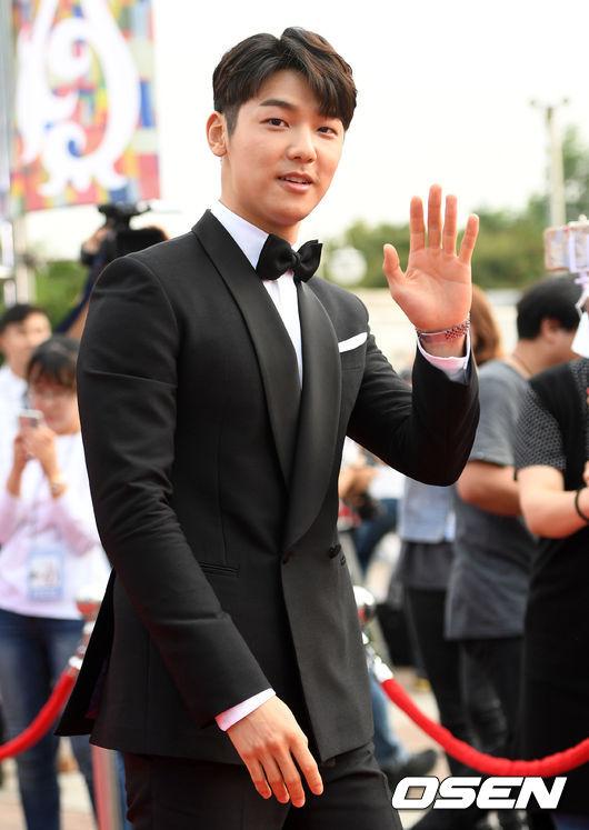 Kang-Min-Hyuk-3662-1473322848.jpg