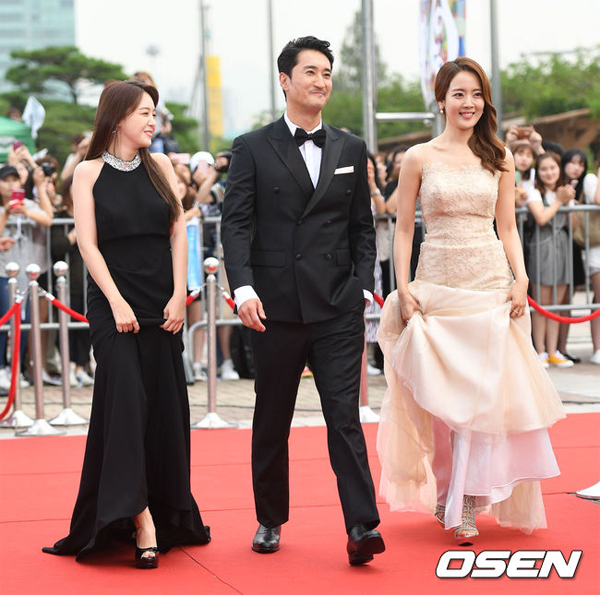 Shin-Hyun-Joon-8444-1473322849.jpg