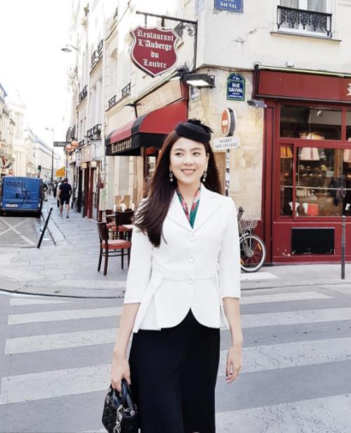 BTV Mai Ngọc cùng chồng thiếu gia chụp ảnh cưới ở Paris