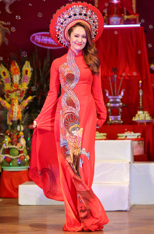 thanh-thuy-lam-vedette-dien-ao-dai-3