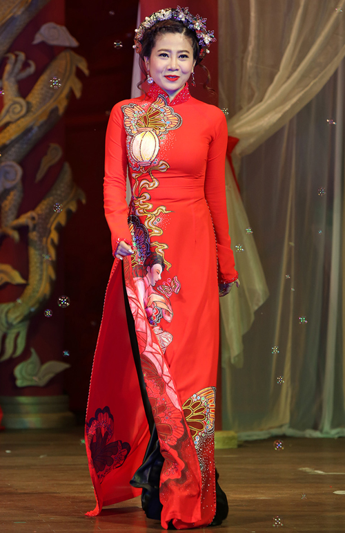 thanh-thuy-lam-vedette-dien-ao-dai-8