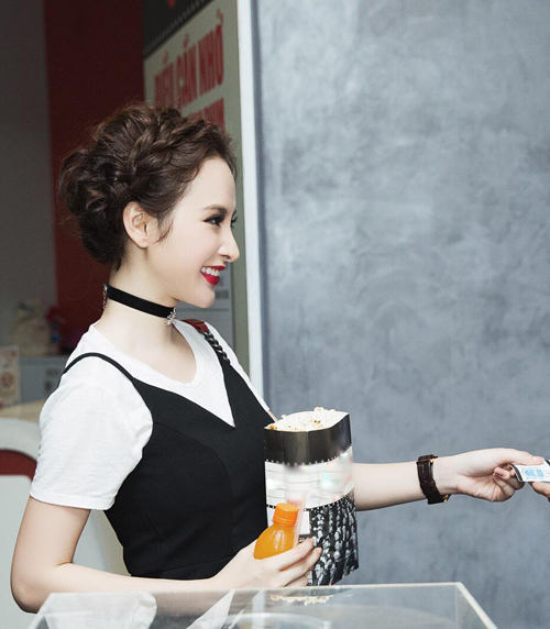 nguoi-dep-viet-chuong-mot-mac-hai-day-doc-dao-5