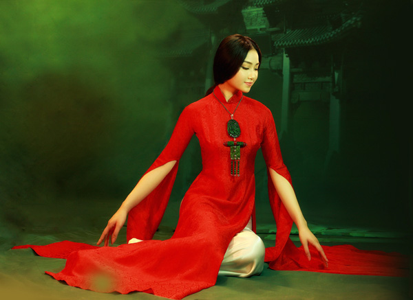 dao-thi-ha-dien-ao-dai-thu-cong-tinh-xao-8
