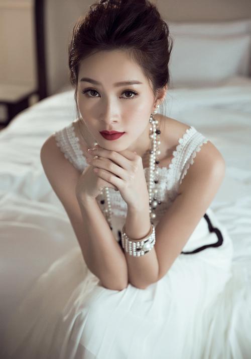 6 Hoa hậu từng 'khóc dở mếu dở' vì bị lợi dụng hình ảnh - hình ảnh 2