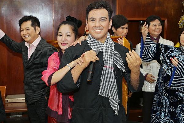thuy-nga-thich-thu-hon-tuong-sap-cua-hoai-linh-5