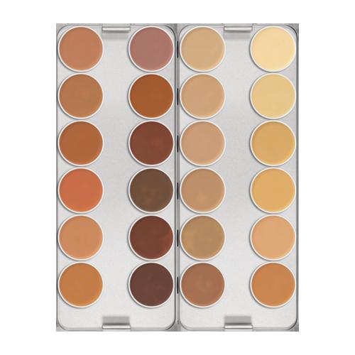 Vì không mang theo bộ sản phẩm tạo khối nên Kim sử dụng bảng màu che khuyết điểm Kryolan Dermacolor Concealer Palette để tạo khối nhẹ. Sản phẩm có giá 20 bảng