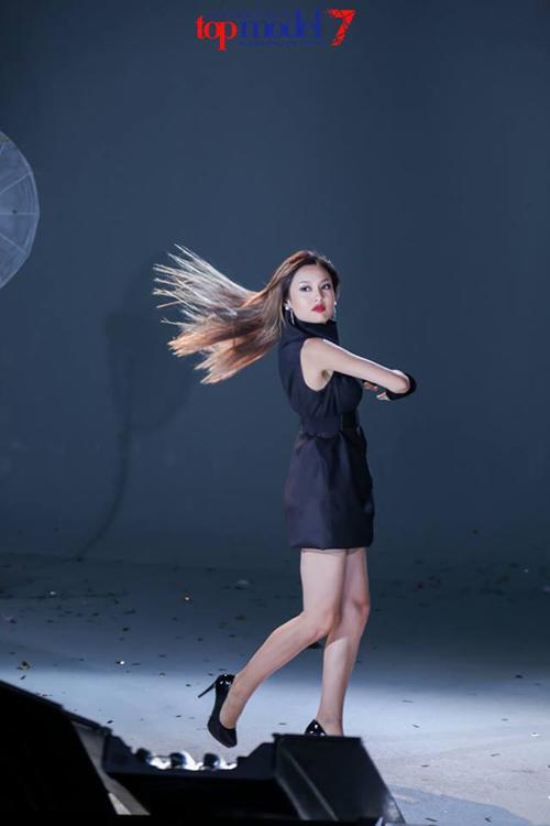 mau-nam-lun-vao-chung-ket-next-top-model-2